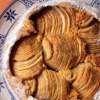 Τάρτα μήλου με κρέμα αμυγδάλου
